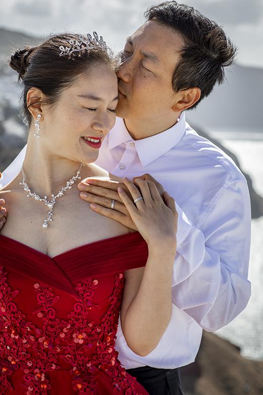 Santorini Asian couple photography