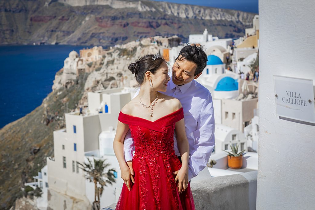 Santorini Asian couple photographer